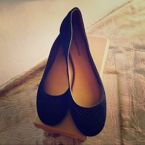 Lucky Brand Shoes - EUC!  Lucky Brand, LK- Everlee perforated flats!